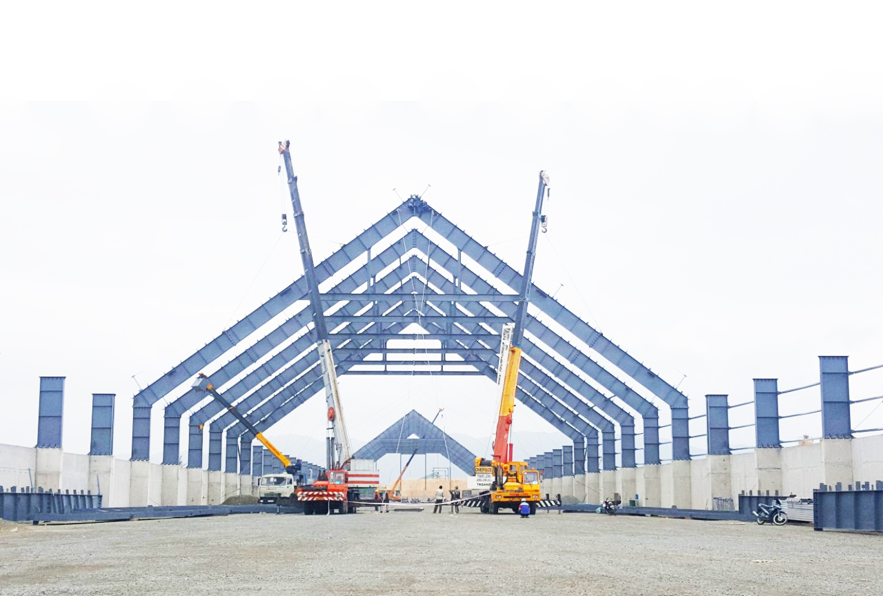 8 Advantages of Pre-engineered Steel Buildings compared to Wooden Structures