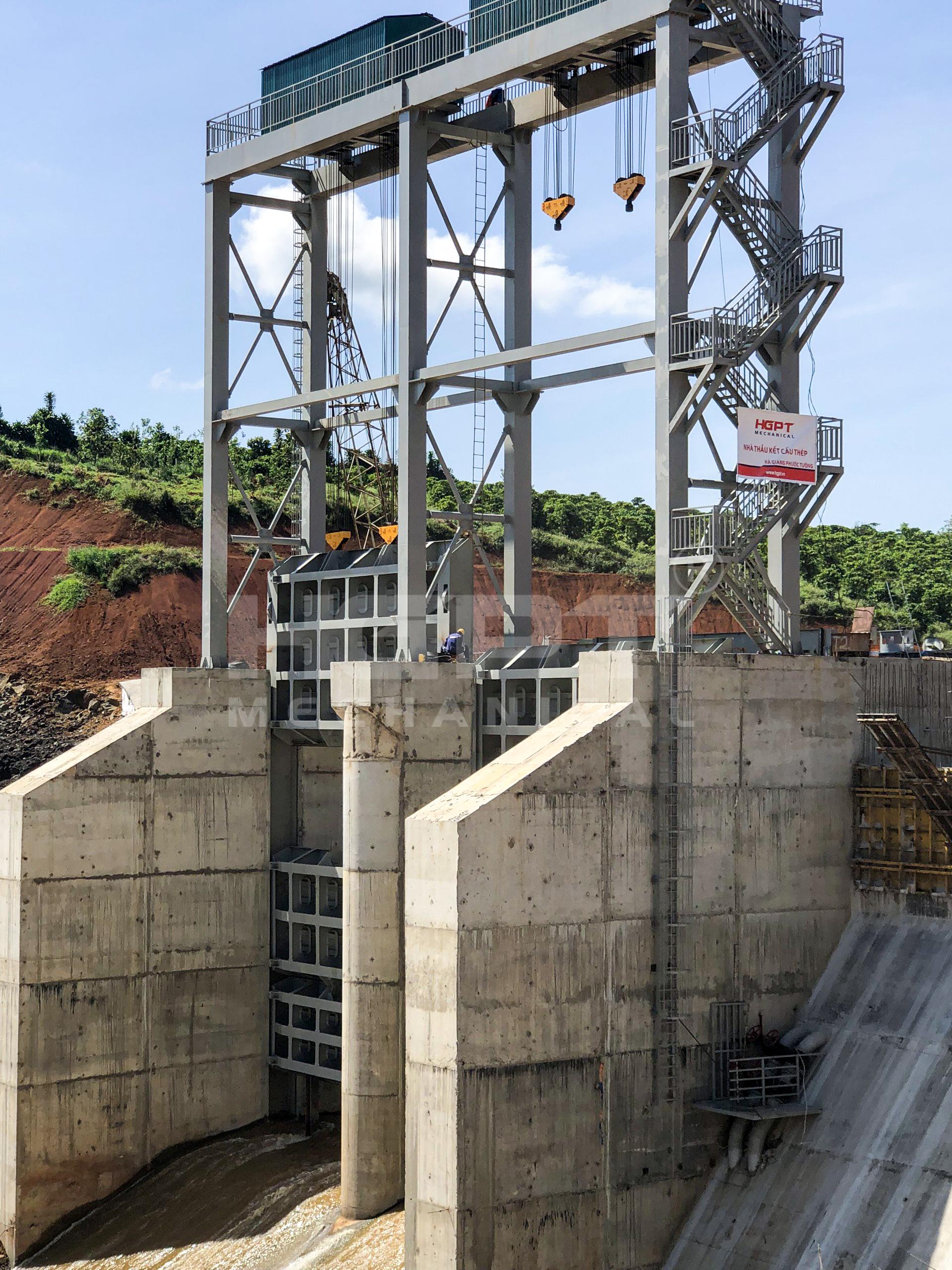 Gia công chế tạo, lắp đặt thiết bị cơ khí thuỷ công – Thuỷ điện Tân Lộc