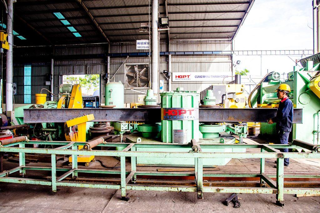 Máy uốn thép định hình do HGPT Mechanical nghiên cứu và chế tạo
