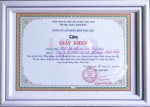 """Khen thưởng """"Đội lắp đặt Cơ khí thủy công"""" - Thủy điện Tân Lộc"""