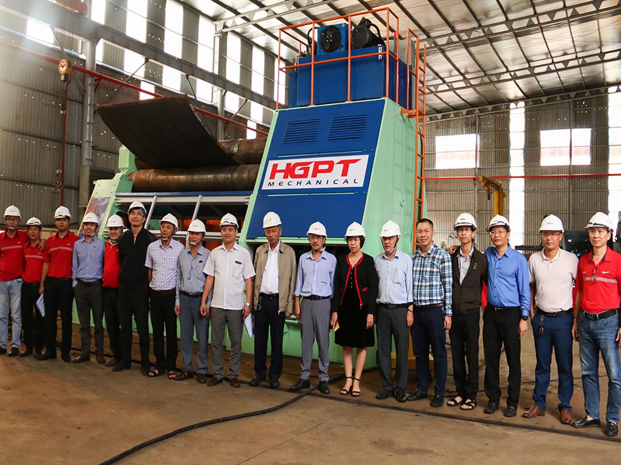 """Máy lốc thép tấm cỡ lớn – sản phẩm KH&CN """"Make in Vietnam"""""""