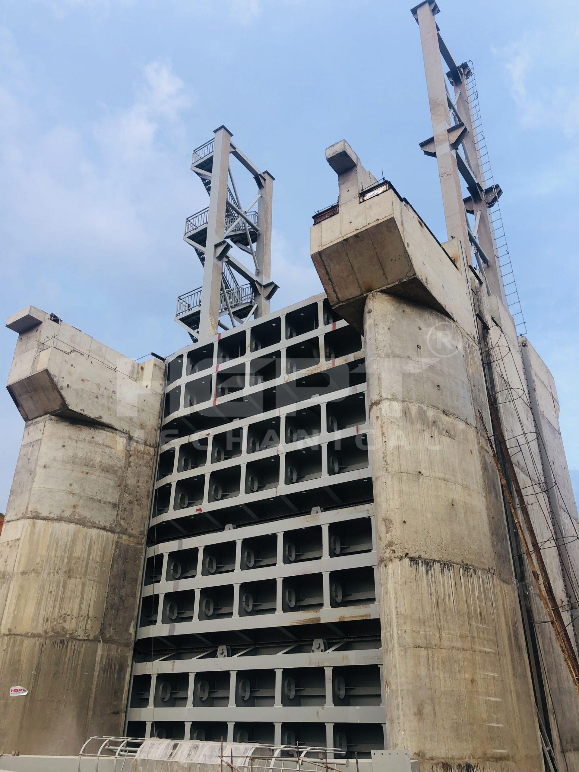 Chế tạo và lắp đặt cửa van đập tràn – Dự án Thuỷ điện Tân Lộc